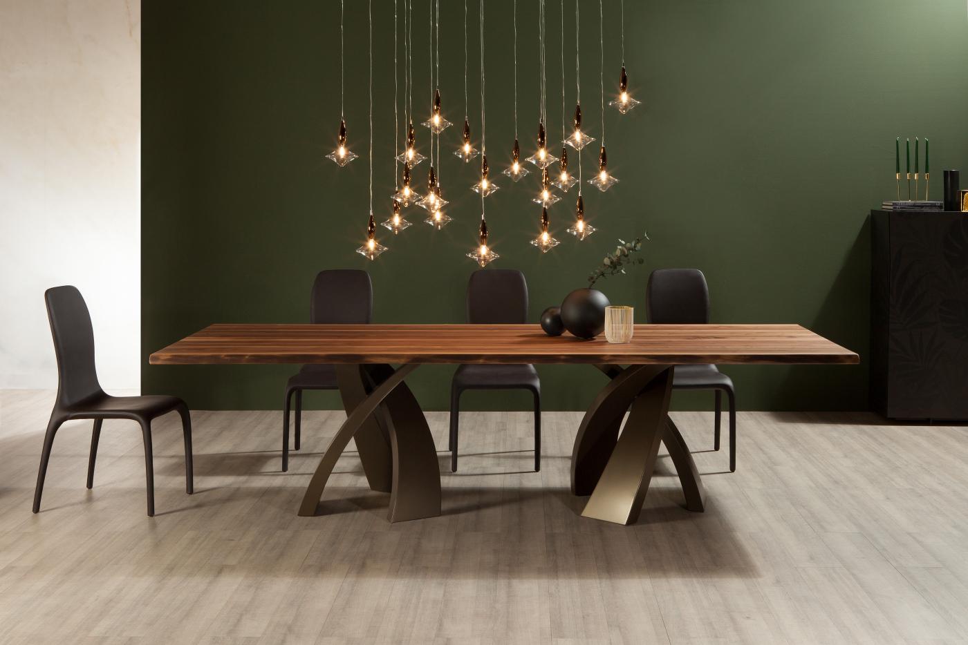 Scopri le forme perfette di Eliseo, il nuovo tavolo di Tonin Casa.