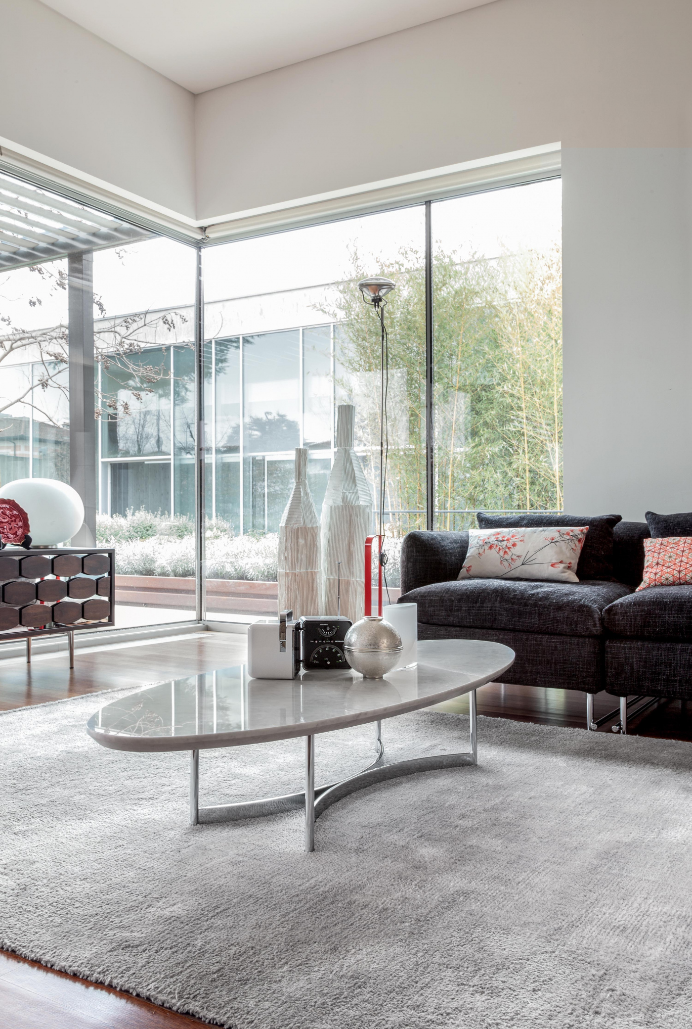 Parioli is a precise and geometric coffee table; the perfect ... - Parioli was given short, smooth sides, perfectly balanced with the chromed  metal base. The perfect furniture for your living-room.